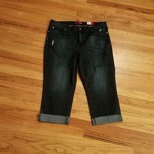 Jennifer Lopez distressed sz 18W capri jeans Jlo